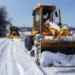 Обилен снеговалеж затвори пътища и остави без ток села в страната