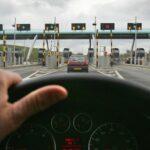 Тол системата за камиони и автобуси влиза в сила от днес