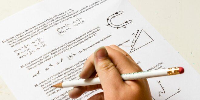 В Пещера : Учениците от 7 и 10 клас се явяват на матура по математика