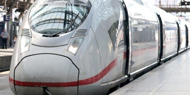8 влака ще пътуват с променено разписание