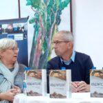 """Кун Петерс представи своя роман """"Изцелителят"""" пред литературната общност в Пещера"""