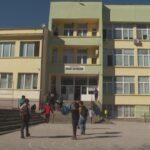 """ОУ """" Л. Каравелов"""" преустанови присъствения образователен процес за учениците от І до Х клас"""