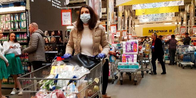 Новите ограничителни мерки за борба с коронавируса у нас влизат в сила тази вечер