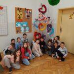 """1 б класв СУ """"Св. Кл. Охридски"""" посетиха картинната галерия в Пещера"""