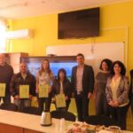 """Шестима наставници от """"Биовет"""" АД получиха днес своите сертификати в ПГХХТ в Пазарджик"""