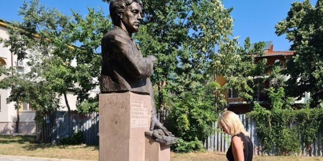 Поклонихме се пред Васил Левски