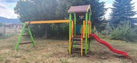 Монтираха нови модули люлки и пързалки в парковете в Ракитово