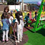 """"""" Слънцето свети еднакво за всички"""" за децата от Ракитово"""